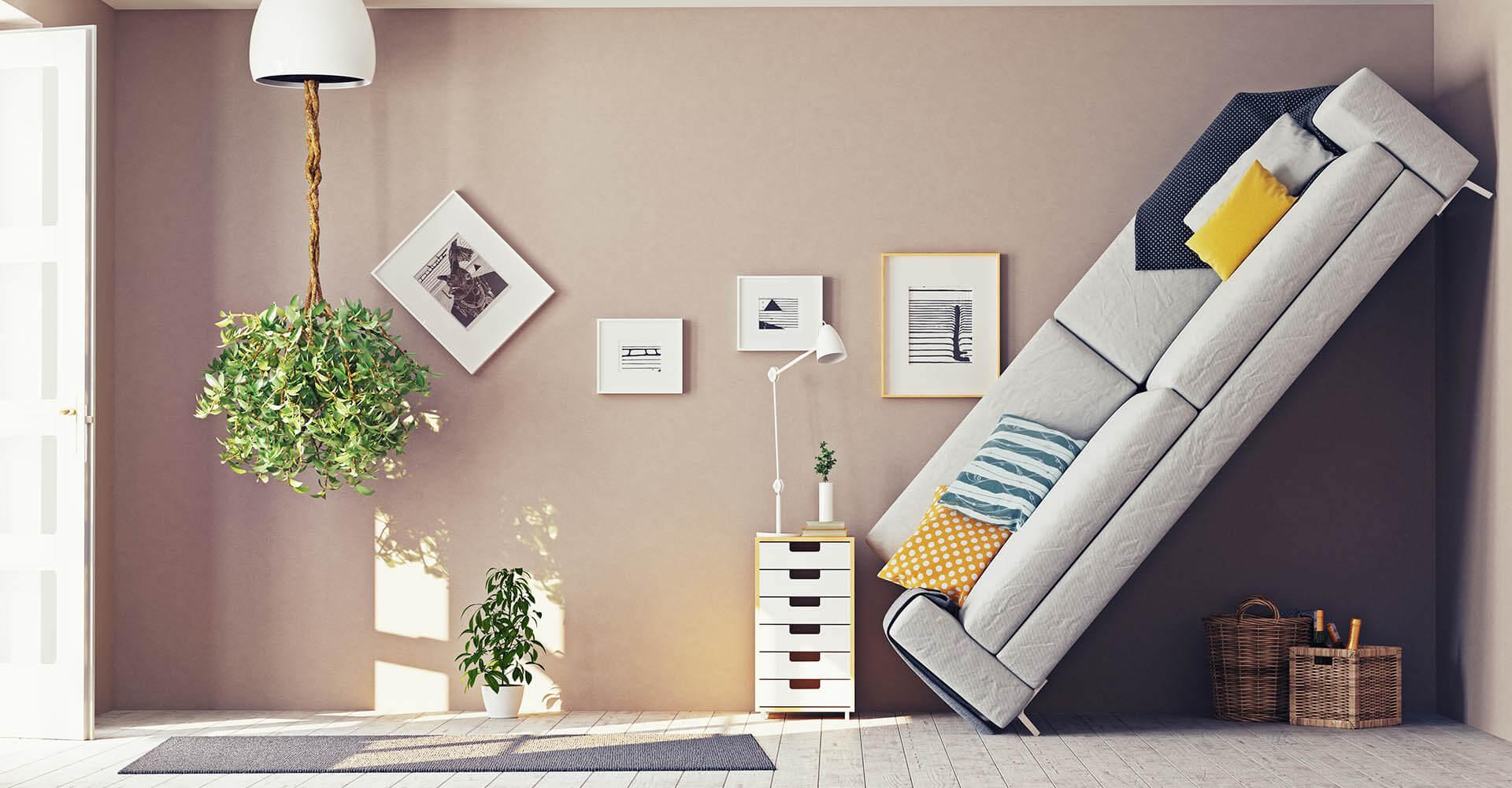 Möbel in Wohnzimmer stehen verstellt, quer und teilweise kopfüber