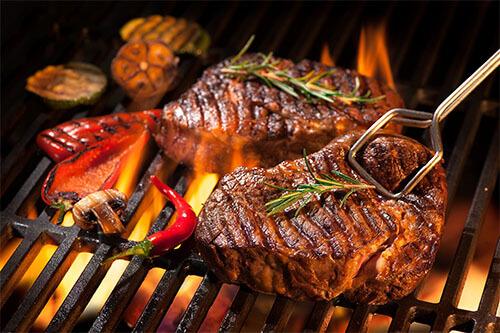 Steak auf Grill-Rost