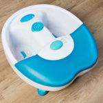 Fußmassagegerät in blau und weiß