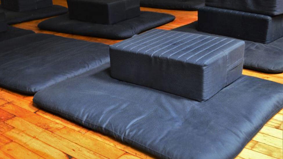 Rechteckiges Meditationskissen