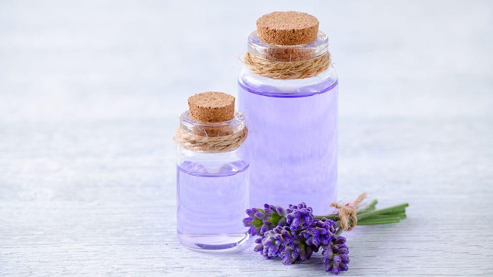 Raumduft mit Lavendel und Ölenn