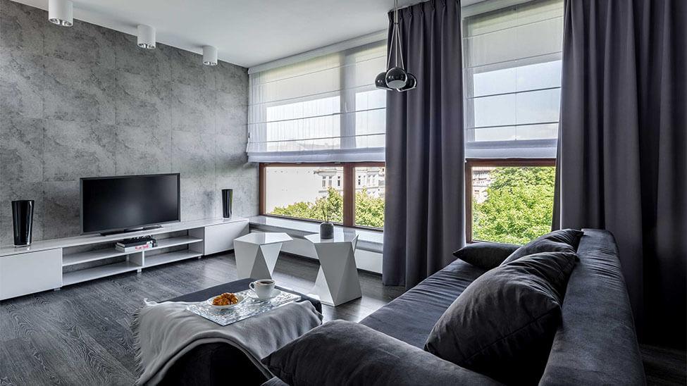 Sonnenschutzrollo in Wohnzimmer
