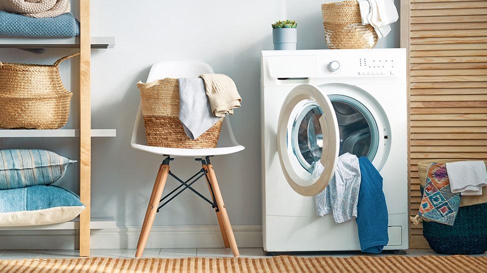 Waschmaschine mit Trockner in Abstellraum