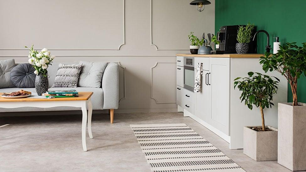 Schmutzfangmatte in Wohnzimmer vor Küchenzeile