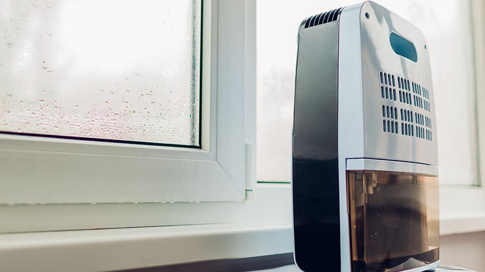 Air Cooler am Fenster