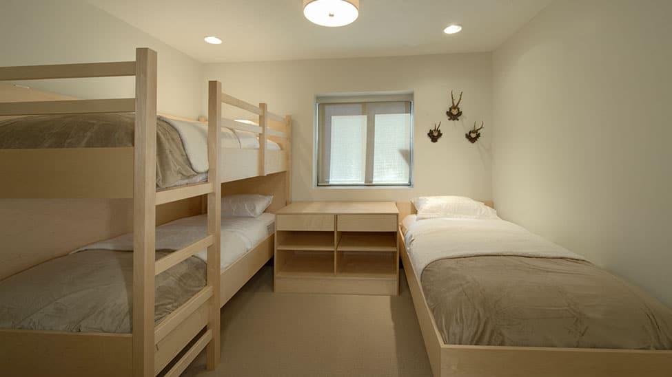 Hochbett für Erwachsene minimalistisch