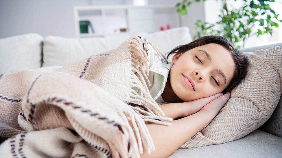 Mädchen befindet sich in guter Schlafphase