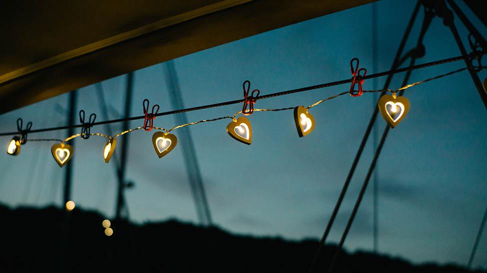 Solar Lichterkette bei Nacht