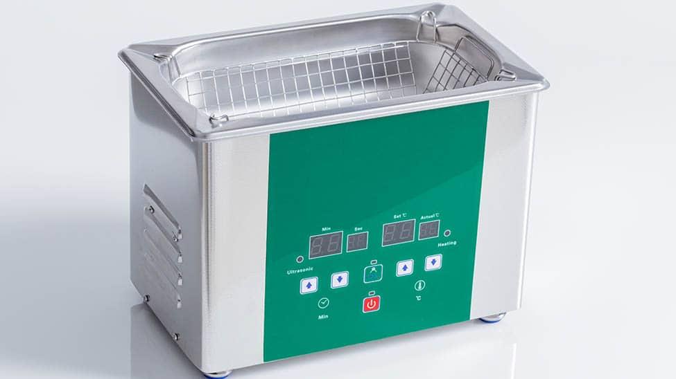 Ultraschall Reinigungsgerät mit grüner Front