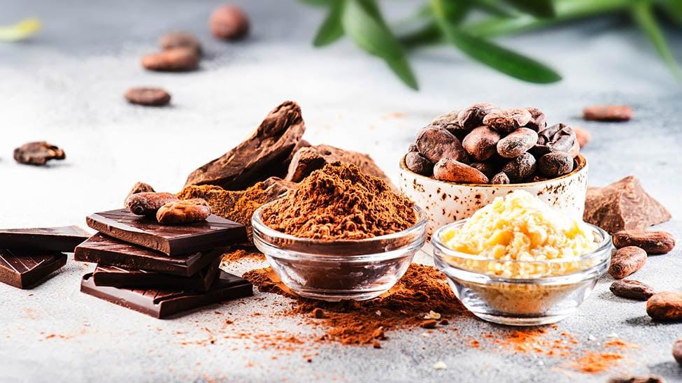 Kakaobutter und Kakaobohnen